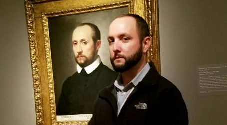 10 Times People Found Their Twins In Museums